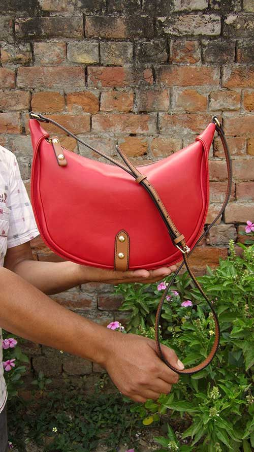 Rose Little Caro, Chiaroscuro, India, Pure Leather, Handbag, Bag, Workshop Made, Leather, Bags, Handmade, Artisanal, Leather Work, Leather Workshop, Fashion, Women's Fashion, Women's Accessories, Accessories, Handcrafted, Made In India, Chiaroscuro Bags - 2