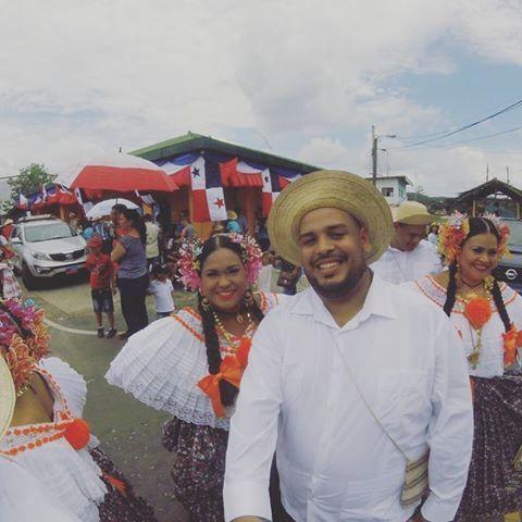 Mi pareja de hoy!! 10 de noviembre en Capira!! #patradansa507 #allaondeunopty #instaojue #panama #folklore