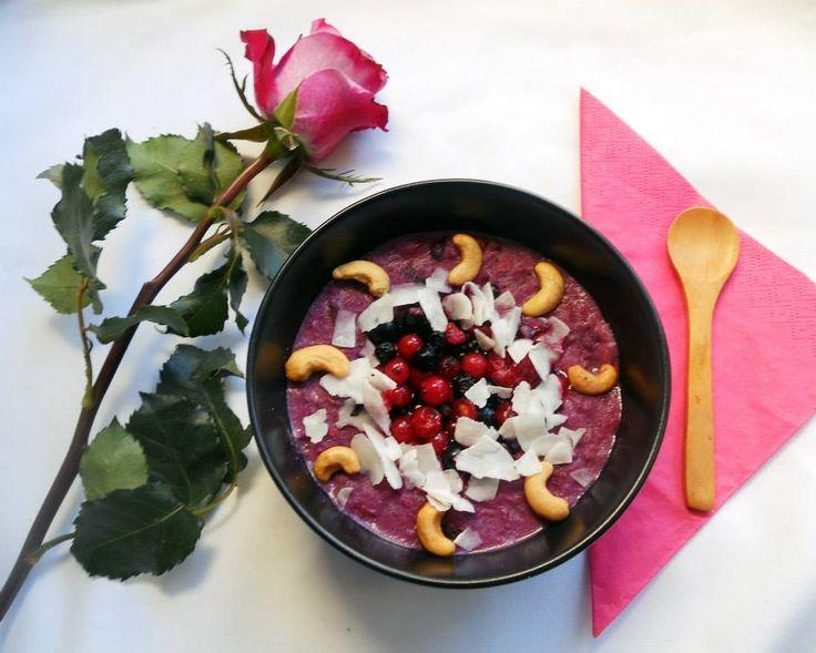 Kókuszos-erdei gyümölcsös zabkása – Coconut-very berry oatmeal – Oatmeal_queen