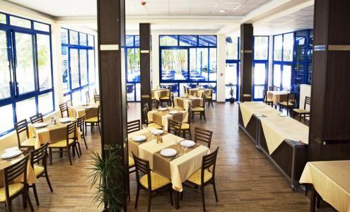 Cazare Hotel Blue Sky 3* Nisipurile de Aur Bulgaria, preţuri camere, localizare hartă   Agenţia de turism EnjoyTravel Chişinău, Oferte de vacanță, Bilete de avion