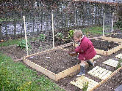 le potager en carr s comment d buter jardin carr potager potager et jardin recup. Black Bedroom Furniture Sets. Home Design Ideas