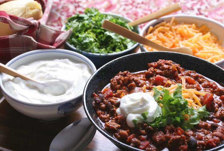 Una receta para hacer chili texano - Mamiverse Ameniza tu menú de lunes a viernes con simple cenas que llegarán a ser pronto recetas regulares en tu casa. Esta receta de Chili de Texas de Food Network.com es la clase de caliente, abundante comida usted...