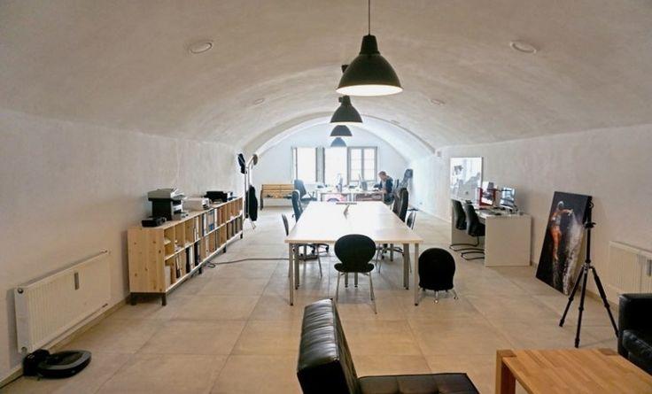 Arbeitsplätze in neu renoviertem Gewölbebüro mieten #Büro, #Office, #Büroplatz, #Arbeitsplatz, #Design, #Einrichtung, #Coworking, #Bürogemeinschaft
