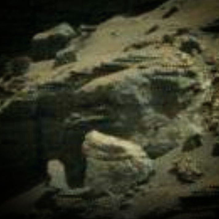 "Gefällt 4 Mal, 1 Kommentare - Mars Anomalien (@lilithonmars) auf Instagram: ""Mars Ruine #mars #marsanomalien #space #moon #unglaublich #statue #ufo #artefacts #alien #beauty…"""