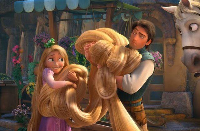 Marre de ton carré flou ou de ta frange trop courte ? Voici les conseils et astuces de Virginie pour accélérer la pousse des cheveux !