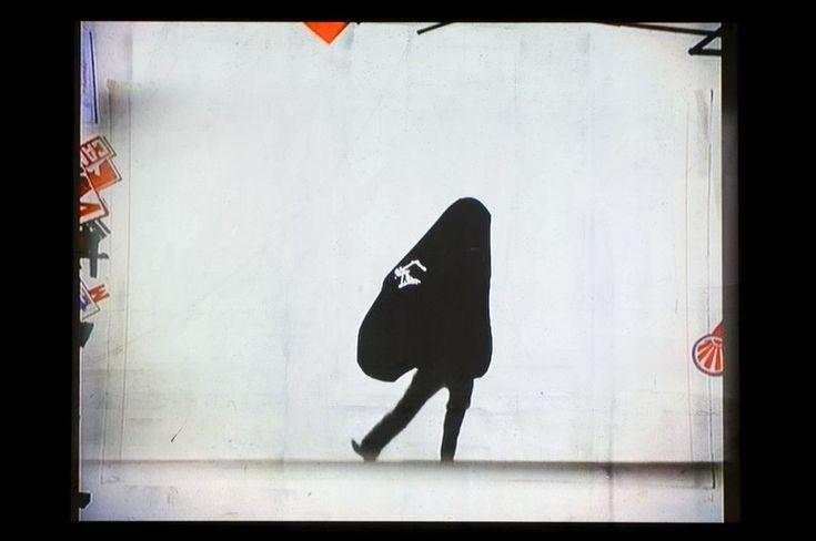 "<p>Η πρώτη ολοκληρωμένη ατομική έκθεση του Νοτιοαφρικανού καλλιτέχνη William Kentridge στην Ελβετία παρουσιάζεται στο Μουσείο Haus Konstruktiv της Ζυρίχης, εστιάζεται στον κύκλο έργων πολυμέσων με τίτλο ""The Nose"", ο οποίος είναι βασισμένος στο ομώνυμο σουρεαλιστικό διήγημα γραμμένο από τον Nikolai Gogol το 1836. Του Δημήτρη Λεμπέση Φωτο. Αρχείο Museum Haus …</p>"
