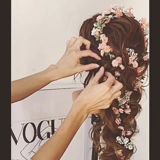 WOW!!! the flowers look absolutely stunning @modaxhair @modaxhair
