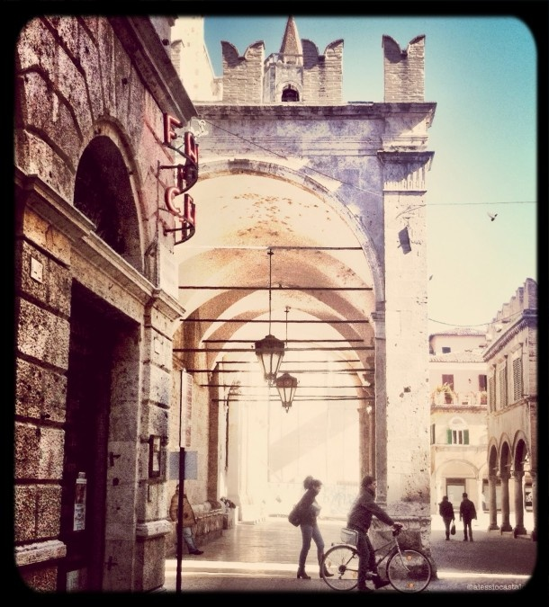 great image of the #streets in #Italy taken by Ale and BP of WeAreJuxt