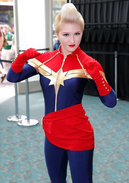 Comic-Con 2015, Day 1: Fans Wore WHAT?! | Captain Marvel | EW.com