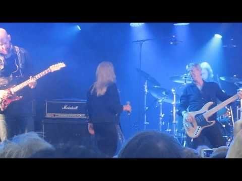 Bonnie Tyler in Finland singing It's a Heartache on July 6th #bonnietyler #gaynorsullivan #gaynorhopkins #thequeenbonnietyler #therockingqueen #rockingqueen #music #rock #2013 #finland #kuopio #concert #bonnietylervideo #itsaheartache #kuopiowinefestival