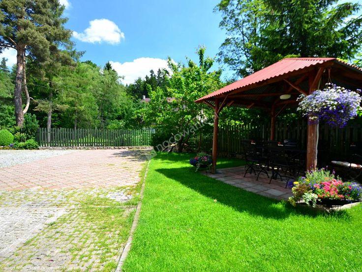 Polecamy sprawdzony obiekt w Szklarskiej Porębie. Więcej informacji na: http://www.nocowanie.pl/noclegi/szklarska_poreba/willa/67596/ #nocowaniepl