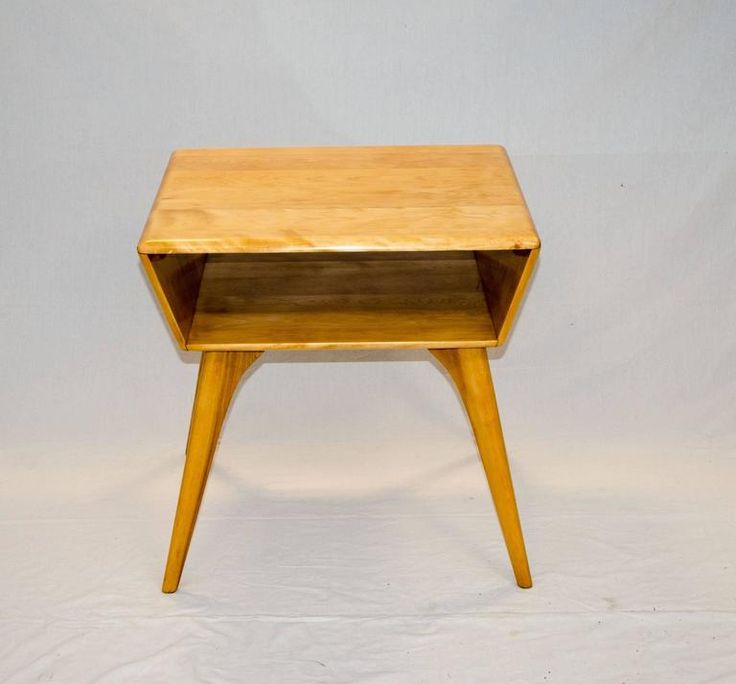 Heywood Wakefield Magazine or Lamp Table 2