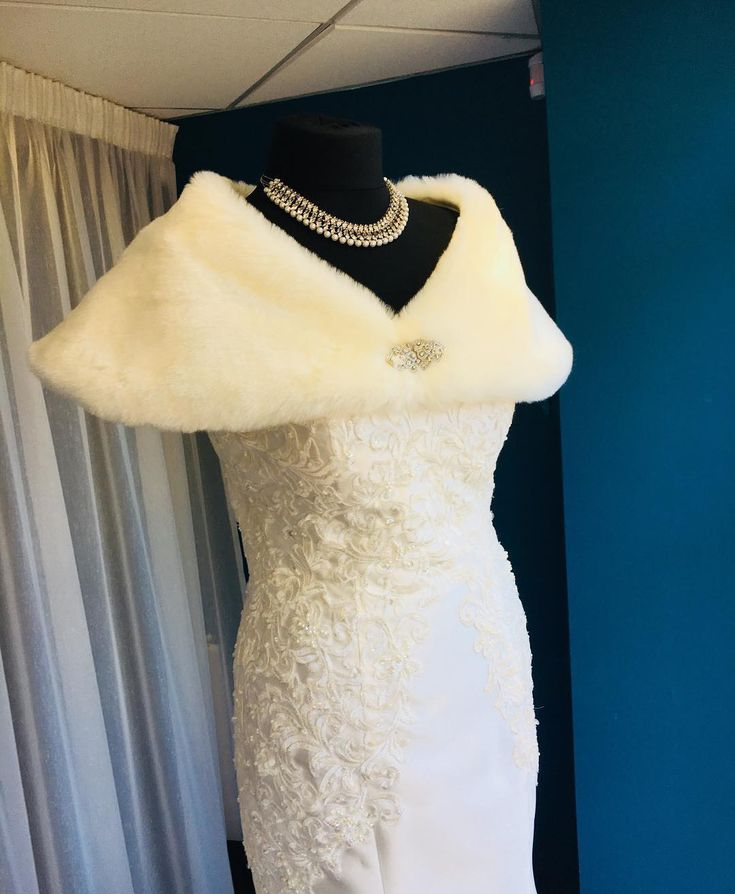 Last few days of this beaut in our window!  LJ Couture Bridal dress and Twilight Designs shrug  #WeddingDress #WeddingTrends #wedding #bridalgown #weddingplanning #weddingdresses #bridalgownshopping #weddingdressshopping #weddinginspiration #weddingdresses2018 #devonwedding #dorsetwedding #somersetwedding #weddingplanning