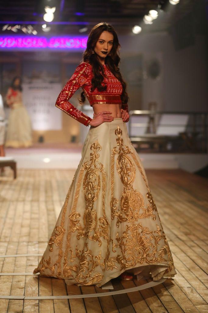 #ICW #AICW2015 #AICW #fdci #sunar #monishajaisingh #sailing bride #resortwear #bridal #indianbridal #weddingfashion