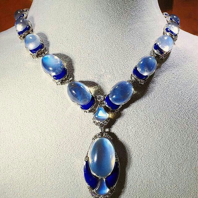 Repost @gemmlisaw @levi_higgs This moonstone, lapis, and diamond necklace from 1915 was designed by lover of light and color, Louis Comfort Tiffany. The @metmuseum  has a very similar example in their collection, so it's no wonder that this necklace sold at $112,500, well above its estimate of $20,000-30,000.