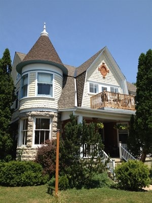 MacLean Estate Bed & Breakfast 404 9th Street East, Owen Sound, Ontario  www.macleanestate.ca