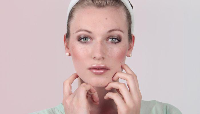 Unser #Tipp für alltägliche #Smokeyeyes: Die Farbe #Braun. Sie steht nahezu allen #Frauen und wirkt #natürlich und #sexy zugleich