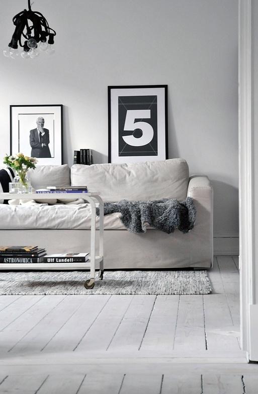 Witte houten vloeren met een toefje zwart | villa d'Esta | interieur en wonen