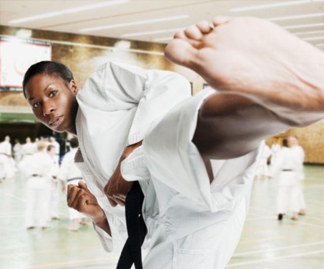 Moldear la silueta practicando Kick'n Fit - http://www.efeblog.com/moldear-la-silueta-practicando-kickn-fit-13194/