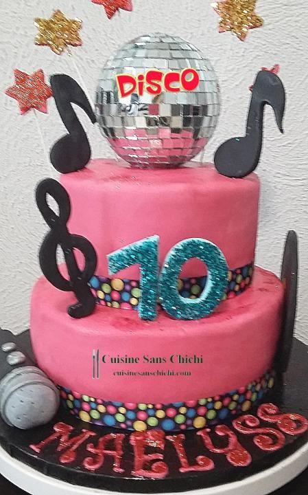 Gâteau thème Disco. La décoration est réalisée en pâte à sucre.