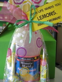 cute: Gifts Baskets, Gifts Bags, Cheer Up Gifts, Gifts Ideas, Cute Ideas, Diy Gifts, Life Hands, Pick Me Up, Lemon