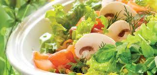Салат с креветками к постному столу