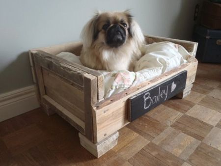 Wood from a pallet for a pet bed.: Pallets Beds, Pallets Dogs Beds, Pets, Petbeds, Pet Beds, Dog Beds, Pallets Ideas, Diy, Old Pallets