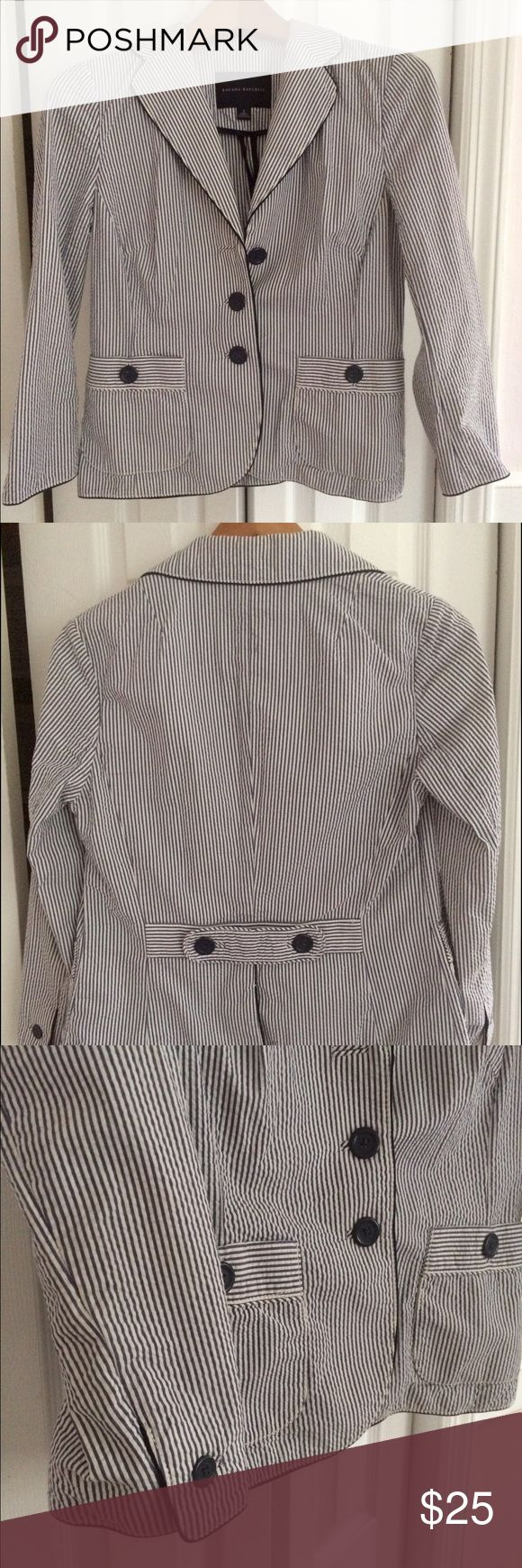 Banana Republic Blazer 🎉 Banana Republic Blazer size 2. Navy and white seersucker jacket has navy piping around the edges. Looks great with jeans. 👖 Banana Republic Jackets & Coats Blazers