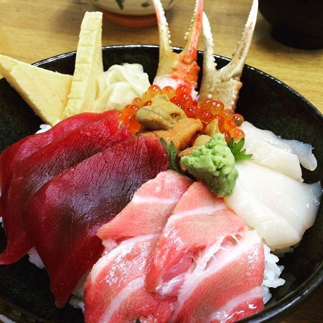 #築地 #Tsukiji #海鮮丼 #rawfish #マグロ #tuna #イカ #cuttlefish #カニ #crab #ウニ #echinus #たまご #egg #サカマ図鑑 #サカマショップ #l4l #followme #f4fsakamaincl4l,イカ,tsukiji,サカマショップ,ウニ,海鮮丼,egg,築地,サカマ図鑑,followme,cuttlefish,rawfish,echinus,カニ,たまご,tuna,f4f,crab,マグロ