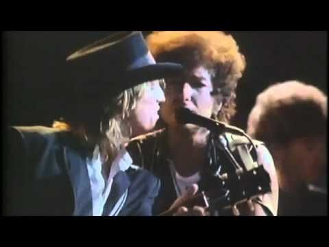 Knockin' On Heaven's Door - Bob Dylan live with guest Tom Petty.