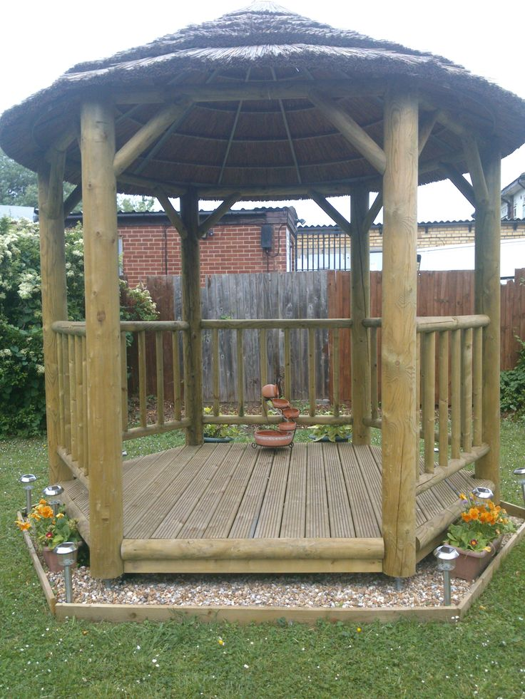 The weather continues to brighten, which means that a number of homelessness schemes up and down the country are planning their next set of activities around their gardens.  Lucas Court in Romford is a project lucky enough to havea beautiful comm