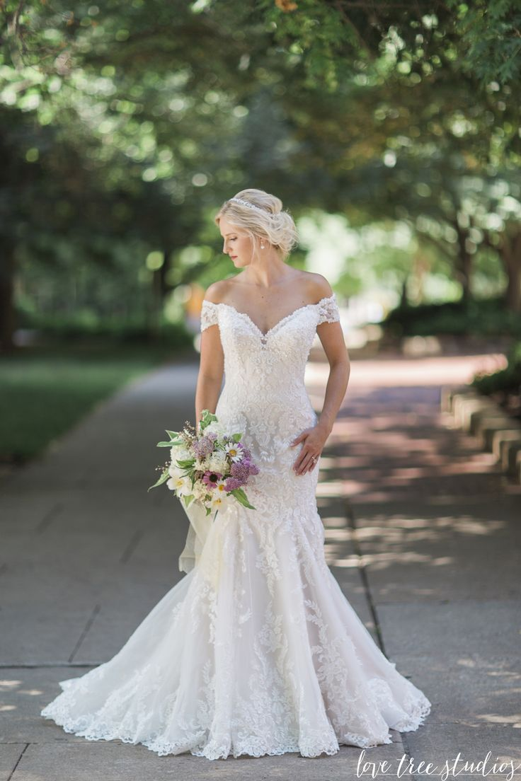 Aura 116201 | David Tutera for Mon Cheri | Photo by Love Tree Studios