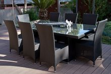 A Modern Centre Piece for a Contemporary Deck, Alfresco area or Dining room. Equally suited for indoors or your alfresco area, this Setting is Comfort and Style rolled in to one.