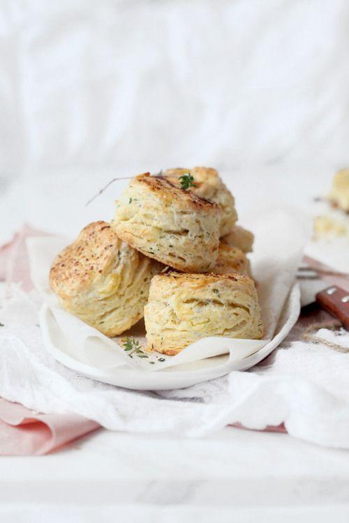... savoury scones of feta, chive & rosemary ...
