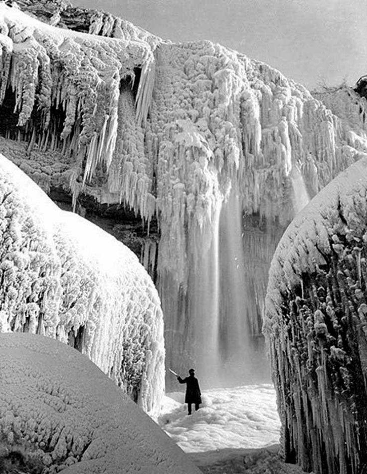 Frozen Niagara Falls, early 1900's