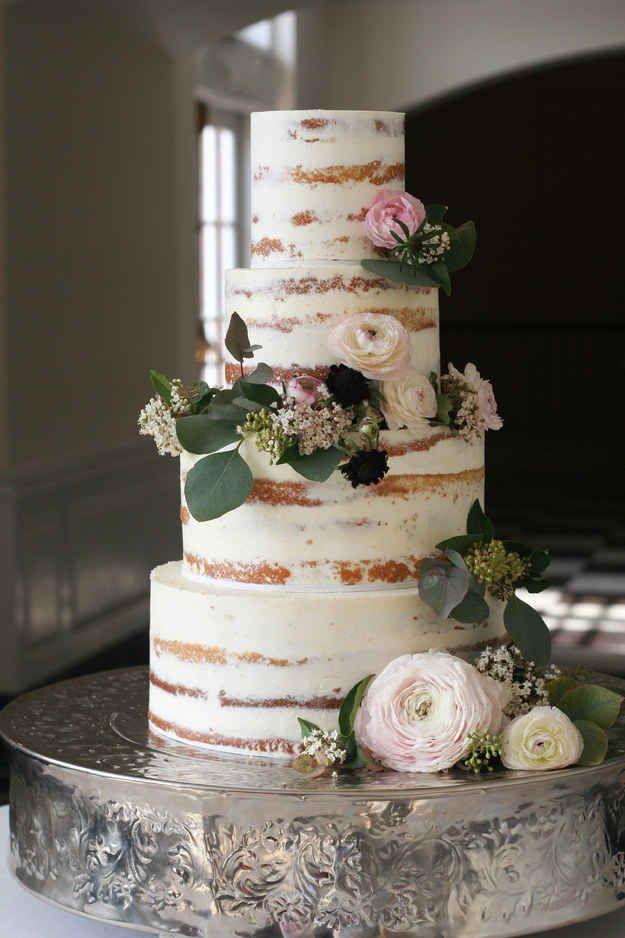 This tastefully naked cake.