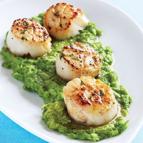 Seared Scallops with Mint Vinaigrette & Green Pea Purée - Clean Eating - Clean Eating