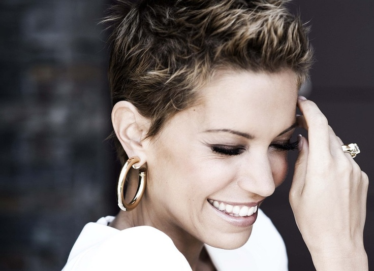 Already missing my perfectly styled pixie. Must. Stay. Strong. Sylvie van der Vaart #shorthair