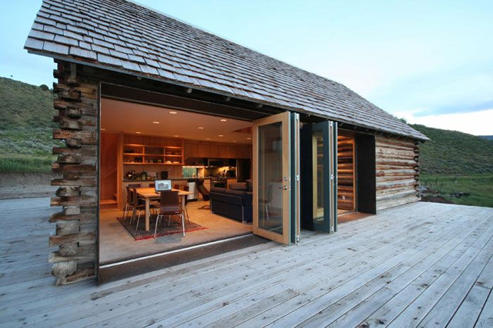 Modern cabin (via 16 Beautiful Wood Facades - Dreamer Attraction)
