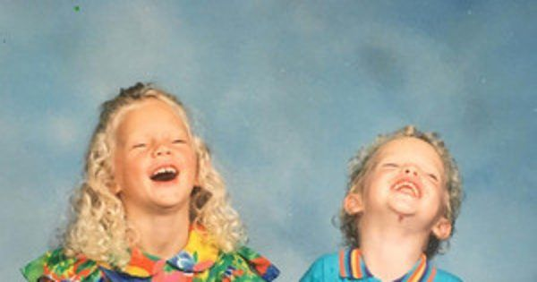 News/ Taylor Swift Wishes Brother Austin Happy Birthday With This Adorable Flashback Friday Pic #Entertainment_ #iNewsPhoto