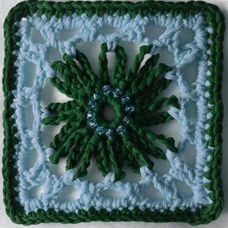 delicate flower granny square crochet pattern