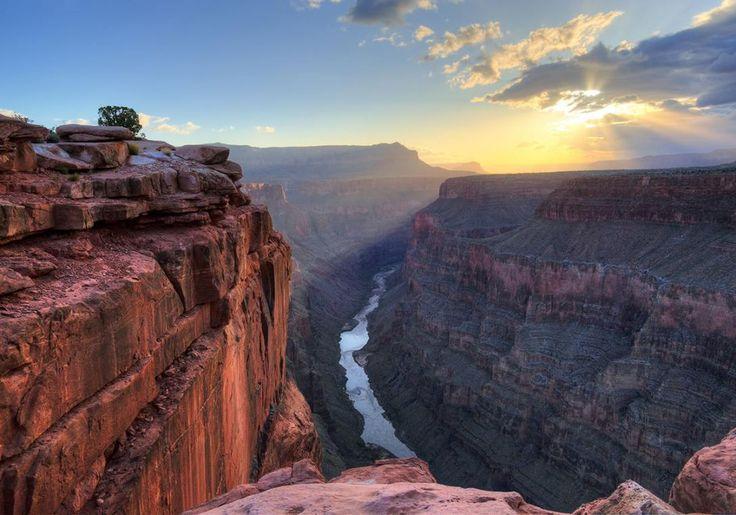 Grand Canyon i USA er et vidunderligt syn, og du føler dig pludselig meget, meget lille!
