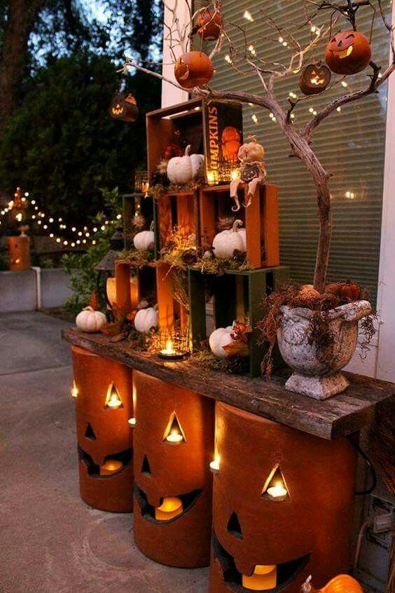 cute idea for outdoor halloween decor - Halloween Decorations Pumpkins
