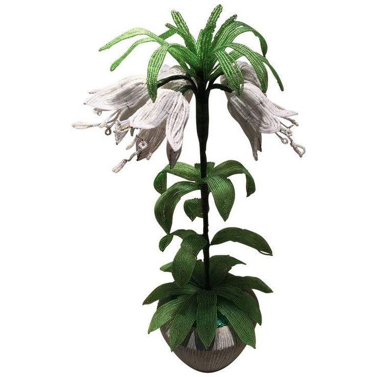 vaso di fiori - fiori di perle - perle antiche - perline minute - composizione floreale - beaded flowers - glass flowers - murano glass di Sanmarcoartedesign su Etsy