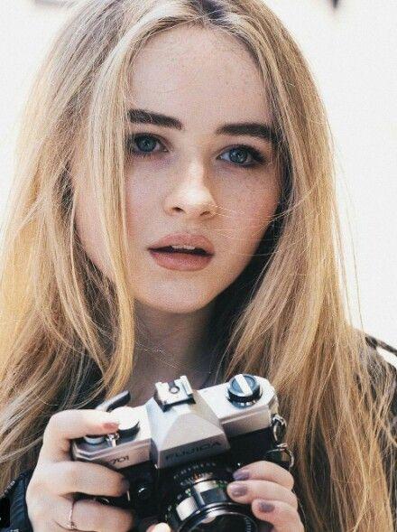 Sabrina Carpenter photos