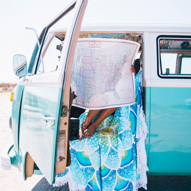 Hay estudios que indican que viajar nos hace más felices. Aquí tenéis algunas razones. Pero hay veces que viajamos por distintos motivos, de pronto nos entran ganas de viajar, de dejar todo lo que tenemos. De madurar como personas. Empezar una nueva vida, de cero, en otro sitio. Lejos muy lejos. Esto no es malo, …