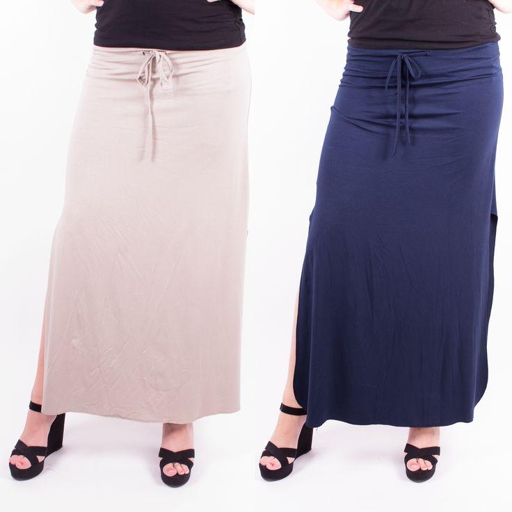 Welkom terug! Deze lange rokken zijn weer op voorraad in de winkels, in zwart, blauw en taupe. #maxi #skirt