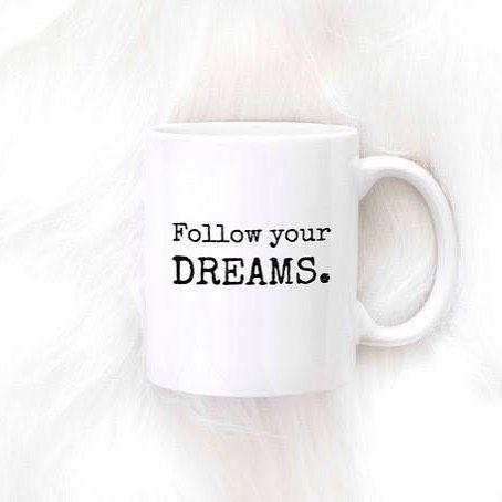 Naše sny nemají žádné datum spotřeby. Zhluboka se nadechněme a pokusme se o jejich dosažení znovu a znovu. 🙌🍀☕ #sloktepo #motivacni #hrnky #miluji #kafe #citaty #zivot #mujzivot #mugs #cups #porcelain #love #lovemylife #coffee  #follow #dreams #style #instagood #inspiration #prague #czech #czechboy #czechgirl