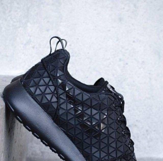 Contoh Gambar Sepatu Warrior All Black Sepatu Gambar