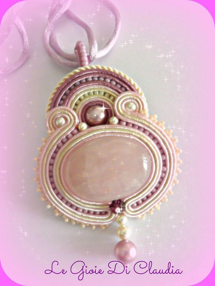 soutache pendant with rose quartz cabochon Legioiediclaudia.blogspot.it